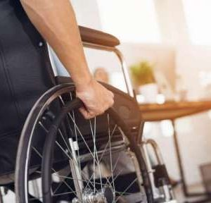 МТСП: Без индивидуална оценка за хората с увреждания, като условие за помощи