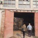 Проверяват складирани бали с боклук в Мизия