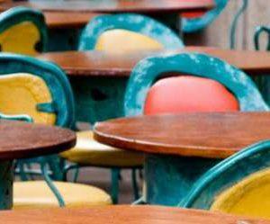 Търговците с маси и столове на открито трябва да подадат заявление до кмета