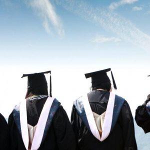 45 100 ученици взели диплома през 2020 г., завършилите студенти – със 114 повече