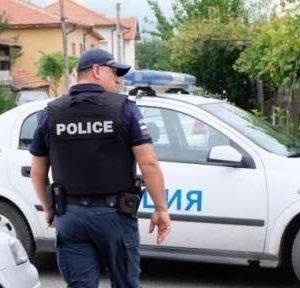 Полицаите ще получат пари вместо отпуск за извънредния труд