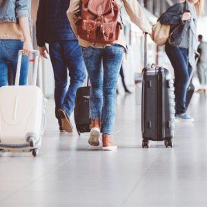 През март - ръст на пътуванията в чужбина и спад на туристите у нас